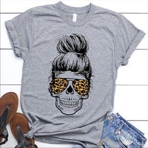 Tops - Messy Bun Skull with Leopard Aviators Grey T-Shirt